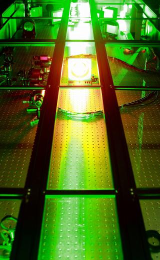 남창희 초강력 레이저과학 연구단장 연구팀이 개발한 세계 최고 출력인 4PW(페타와트·1PW는 1000조 W)의 초강력 레이저 설비.